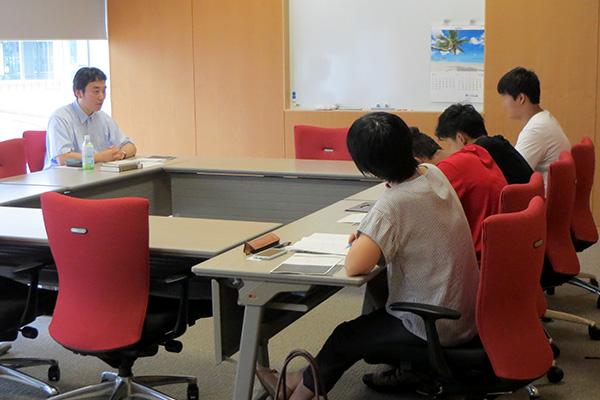 中澤先生と明星学園中学のみなさん